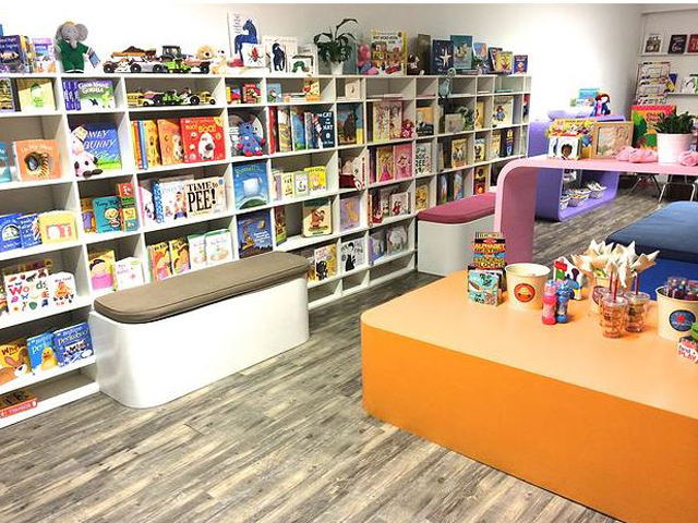 Books-and-Cookies-Store-Reading-Area