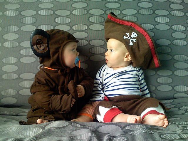 baby-trick-treat-5