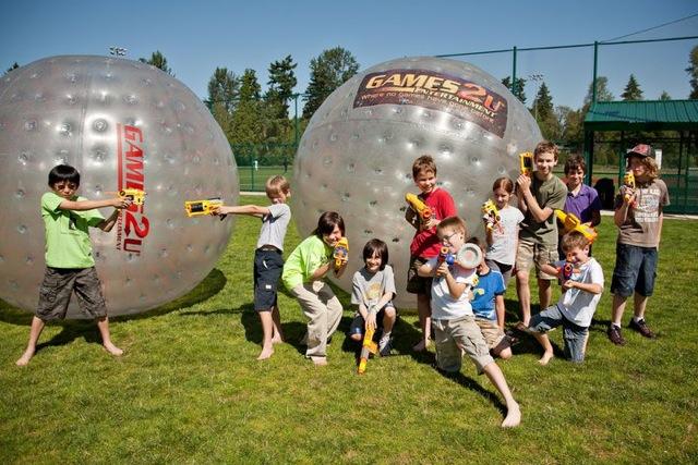 Games2U kids with hamsterballs