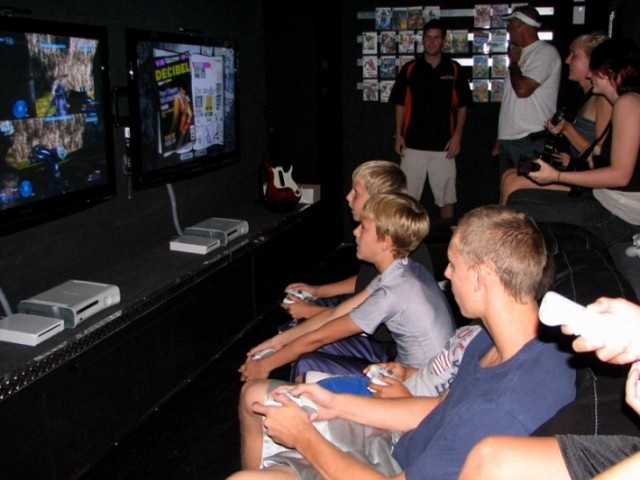 GameTruck boys playing