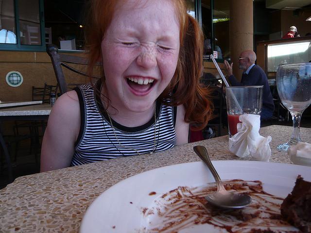 kid-eating-meal