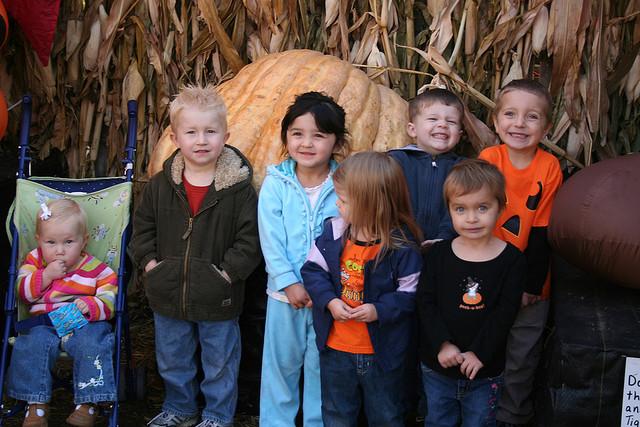 kids-in-costume