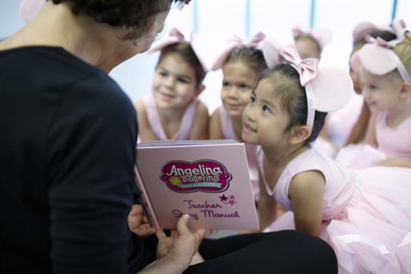 angelinaballerina-class-with-teacher-600w