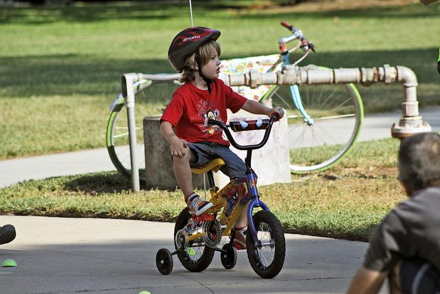biking-grass