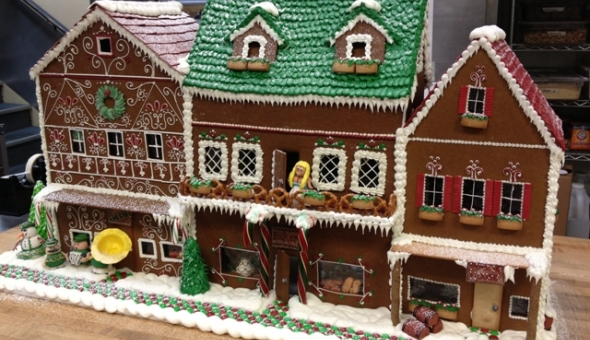 Hot Stove House Society Gingerbread Hosue