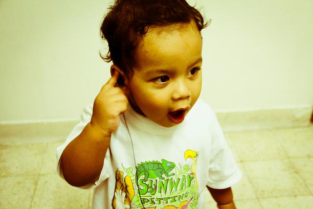 kid-headphones-music