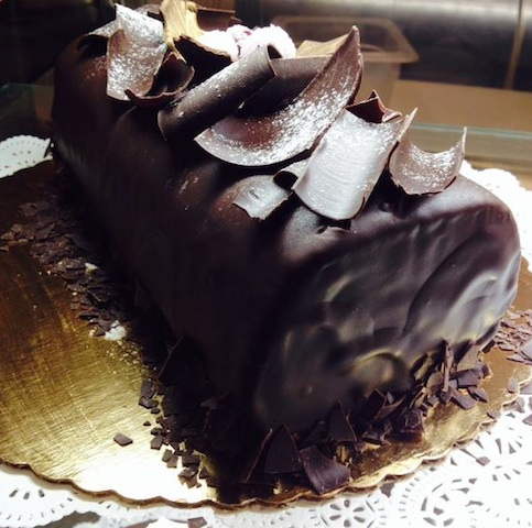 Toni Patisserie – Dark Chocolate Buche de Noel