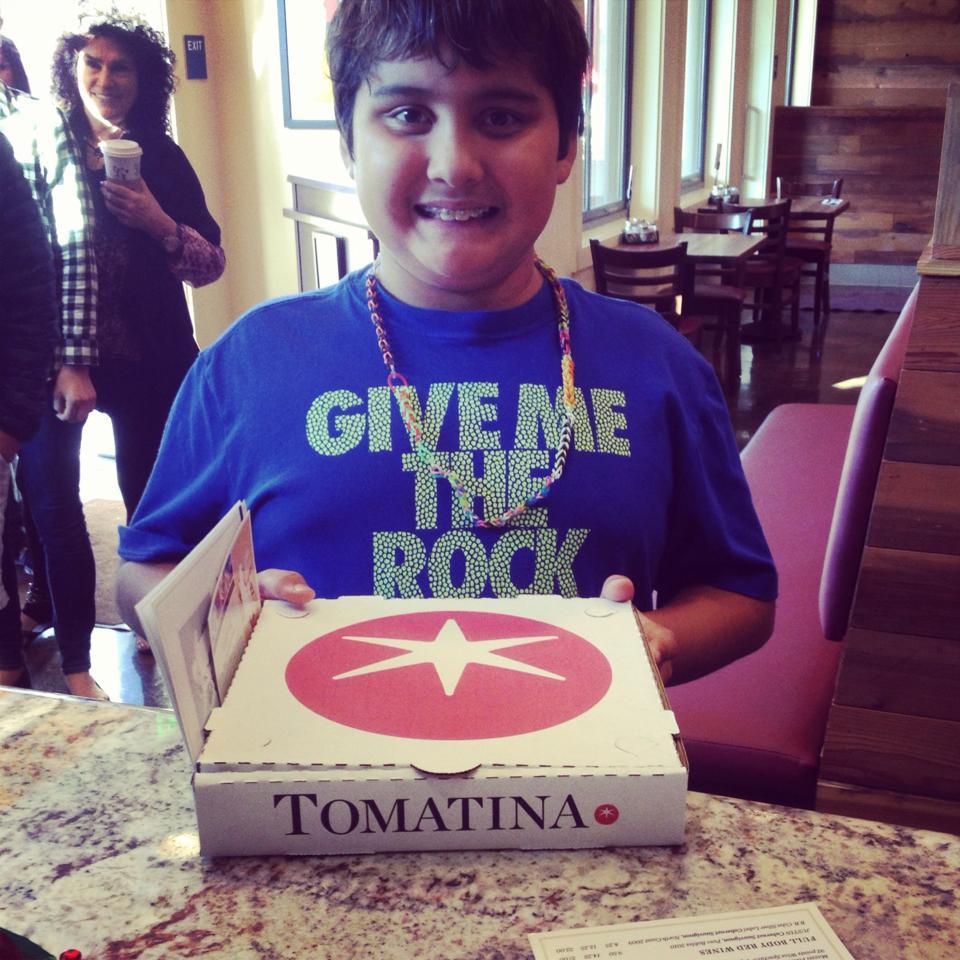tomatina_pizza_boy