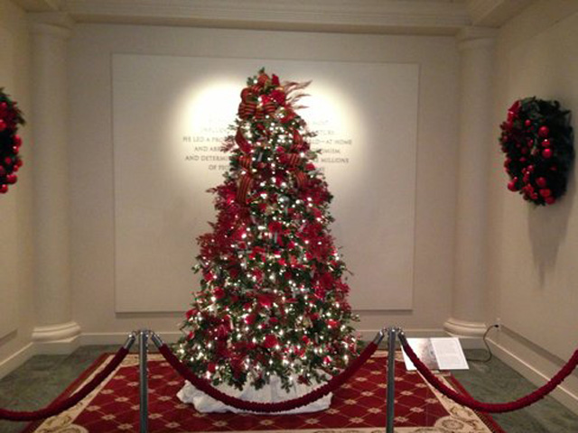 Reagan-Library-christmas-tree