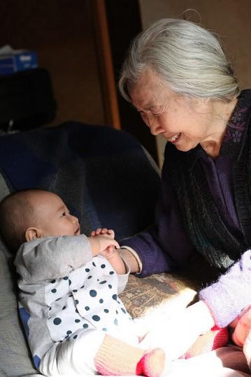 grandma-baby-smile