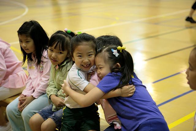 hugs-kids