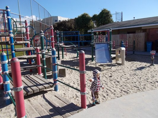 Laurel-hill-playground