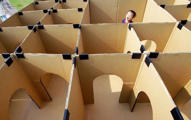 maze_cardboardboxplay_bump+baby_redtricycle