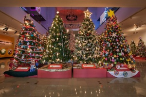 Best Christmas Tree Display: Museum of Science and Industry