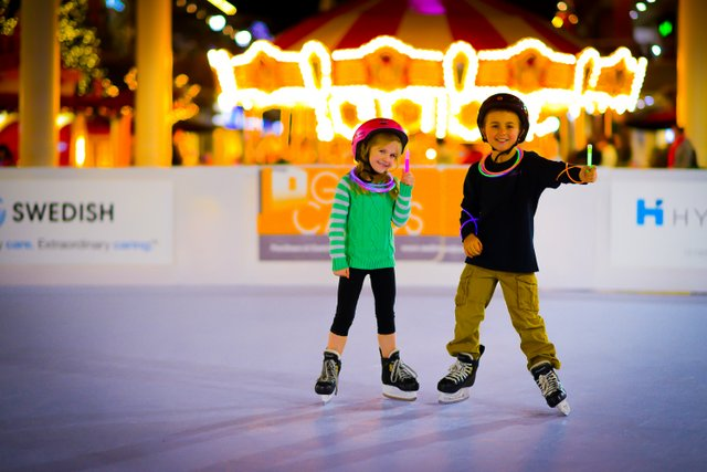 Redmond Town Center New Year's Day Ice Skating Party