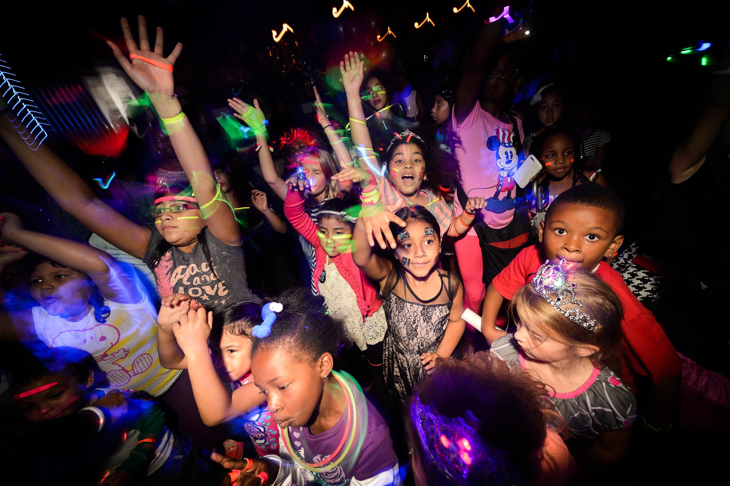 CirKiz, A Cool Kid's Dance Party
