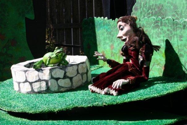 black-cherry-puppets