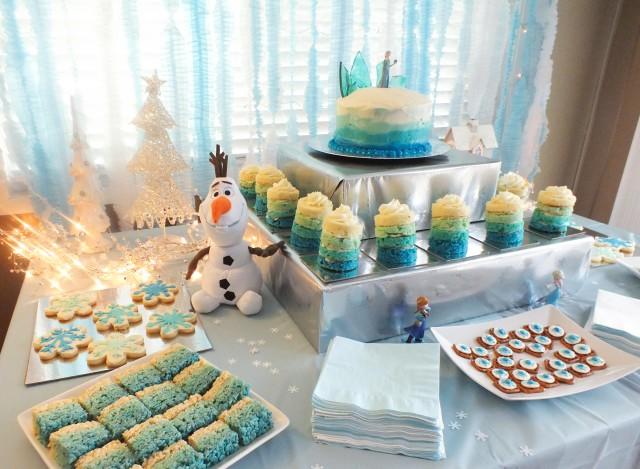 twosisterscrafting-frozen-dessert-table