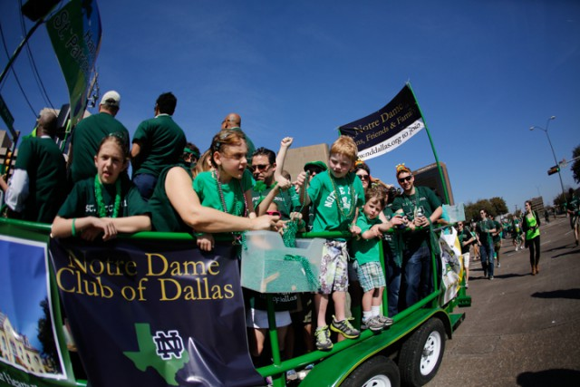 Dallas - kids on float wide lense (1)