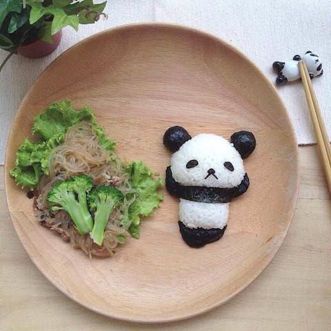 panda_tianminlim_animalfoodart_animals_national_redtricyle