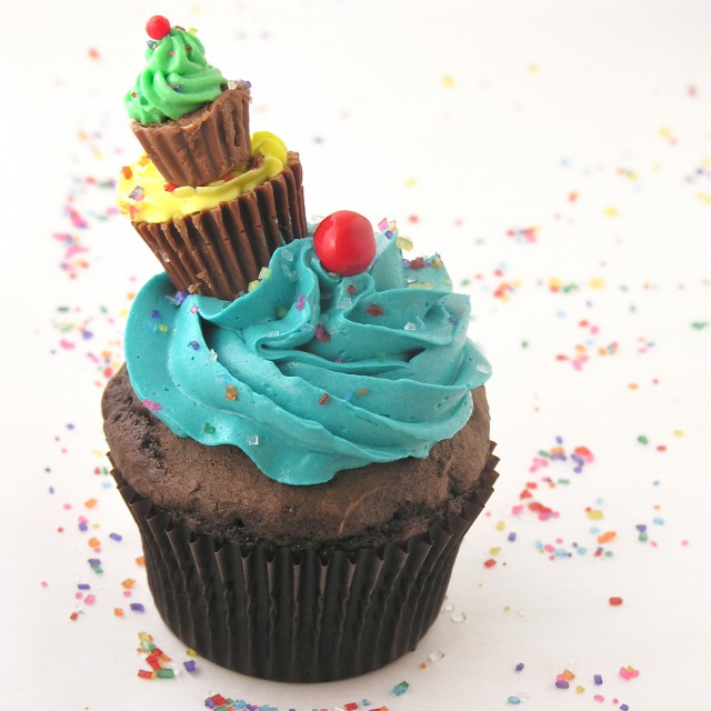 pile-of-cupcakes