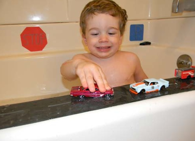 carbath_ Samantha Soper_Caetano_bathfun_bathtime_national_redtricycle