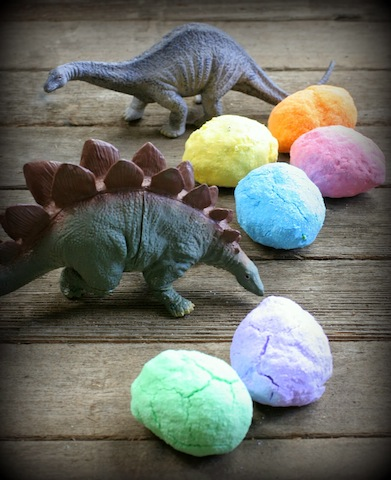 dinobathbombs_aisacitro_bathfun_bathtime_national_redtricycle