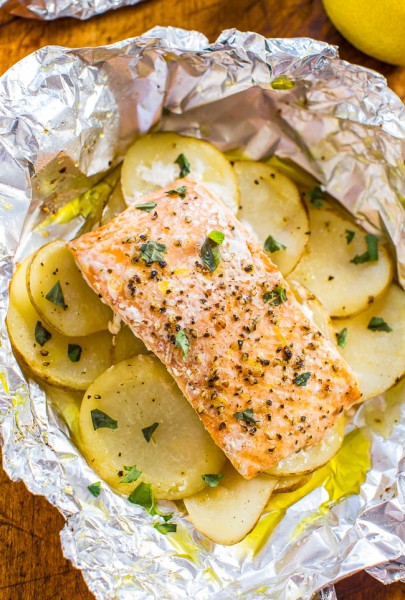 Easy Salmon and Potato Foil Packets