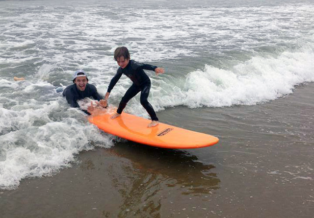 learn to surf camp