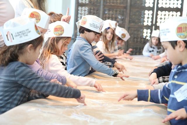 RT-Matzah Bakery groups 056 resized (1)