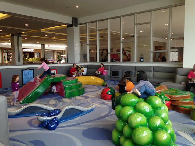 springfield-town-center-mall-play-area