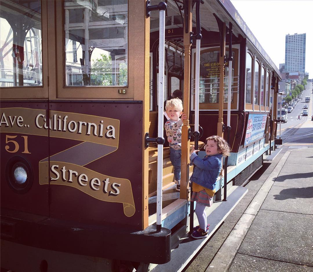 kids_Cable_car