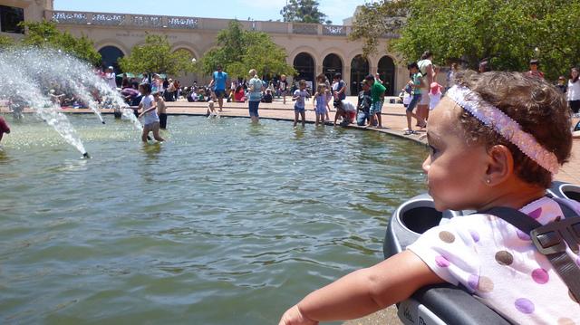 balboa park girl stroller fountain