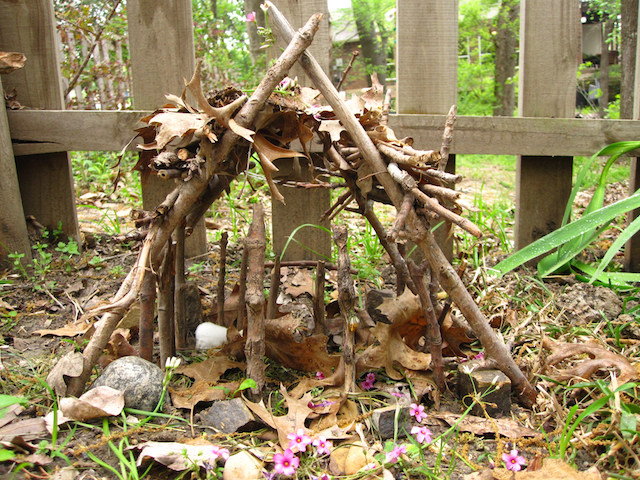 fairyhouse_gabbycullen_treecrafts_arborday_national_redtricycle