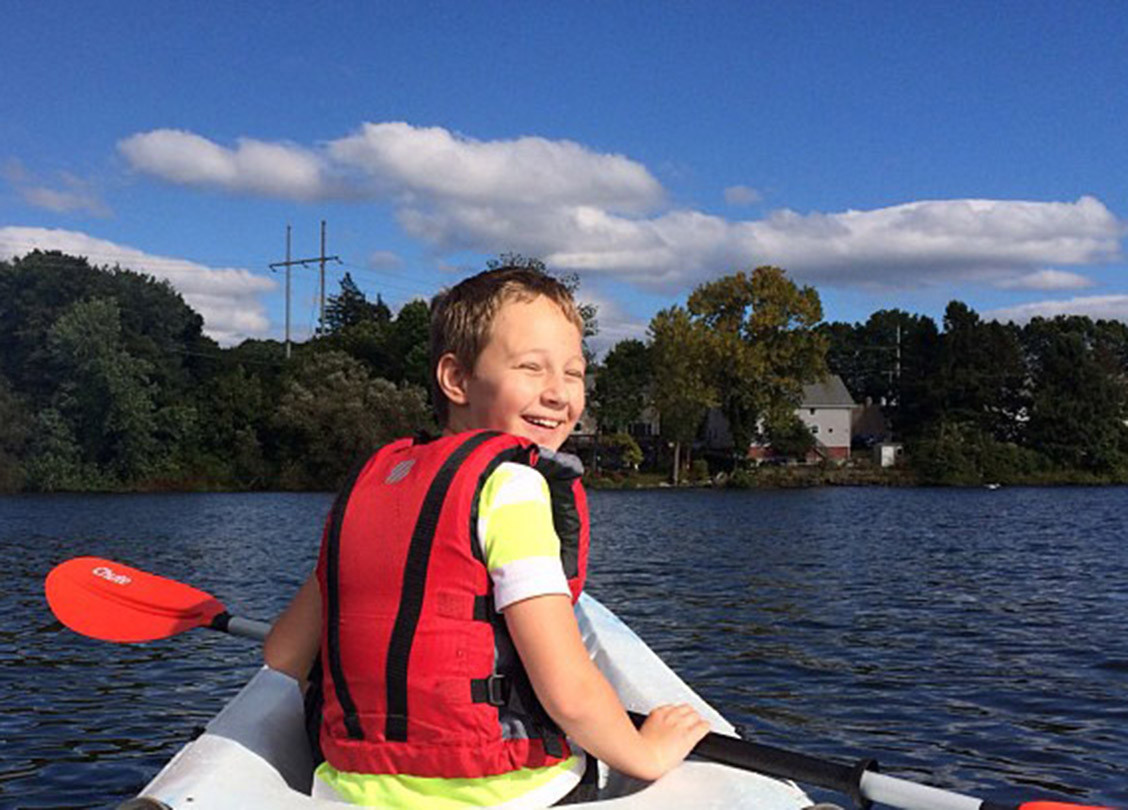 kid_kayaking