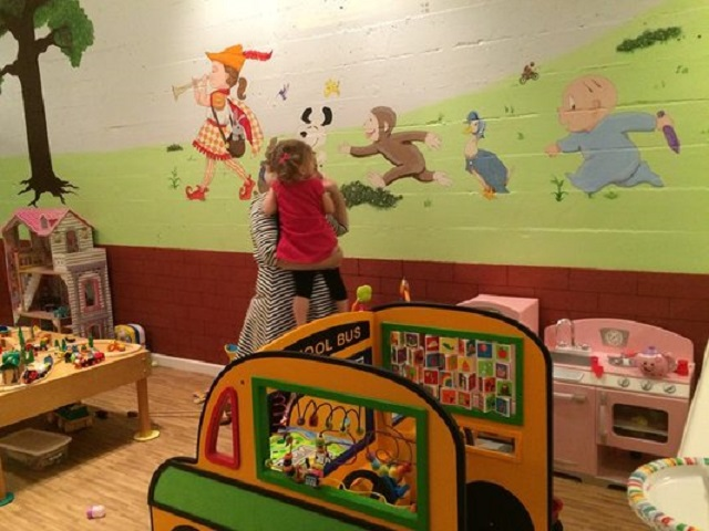 Pied Piper Play Cafe mural