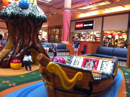 Potomoc-Mills-Mall-play-area-Yelp