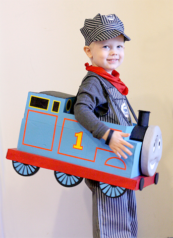 thomascostume_cassiemay_DIYtrains_trains_national_redtricycle