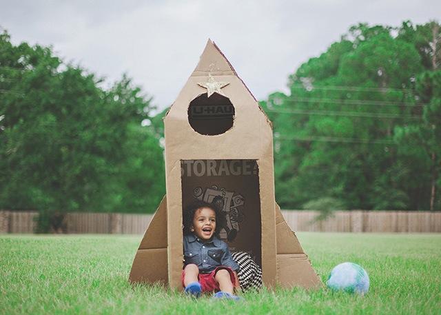 DIYrocketship_marieholmes_cardboardrocketship_outerspace_national_redtricycle