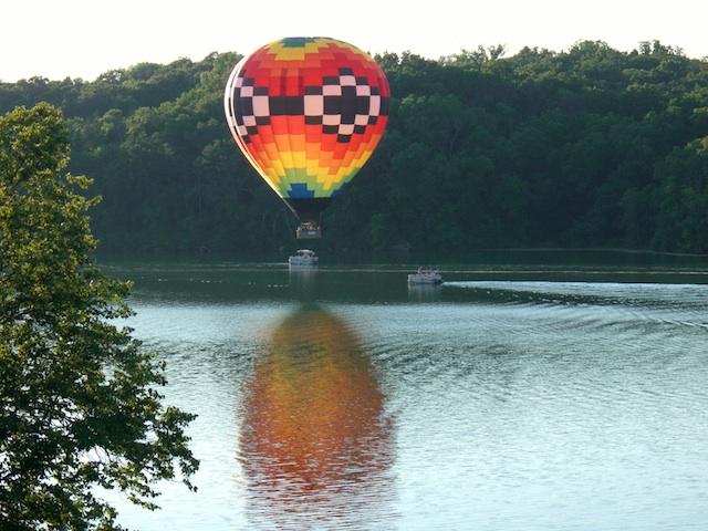 eagle-balloon