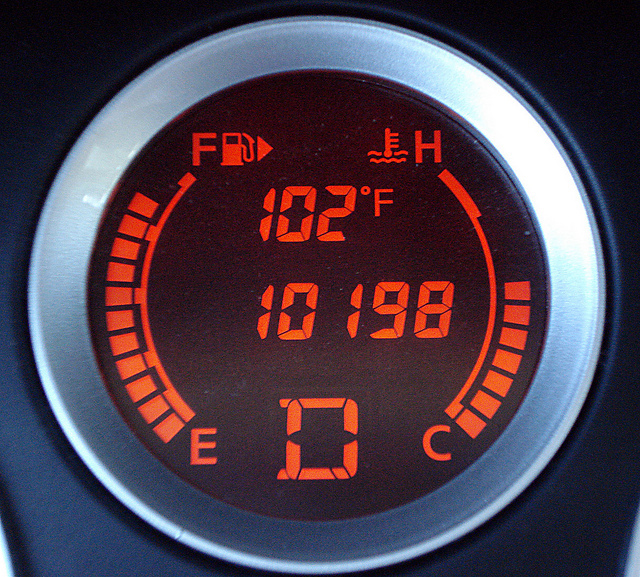 Car temperature gauge summer hot