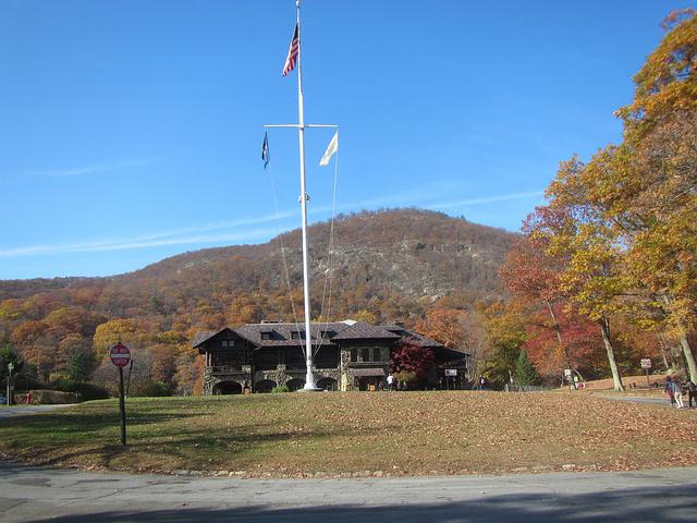 bear-mountain-inn