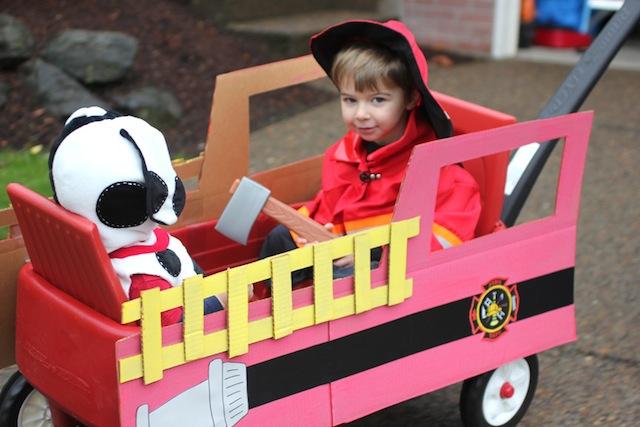firetruckfloat_sarahzimmerman_kiddieparade_fourthofJuly_national_redtricycle