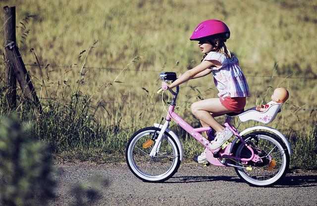 chica-en-bicicleta-flickr-cc-thierrydraus