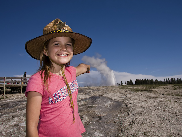 girl.yellowstone.old.faithful