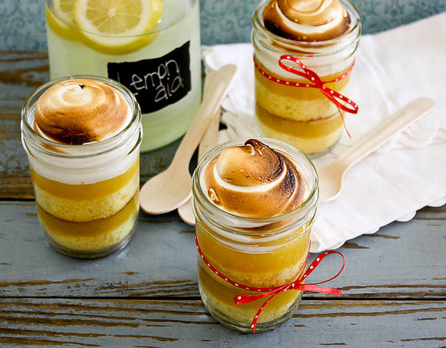 Lemon Meriungue In a Jar
