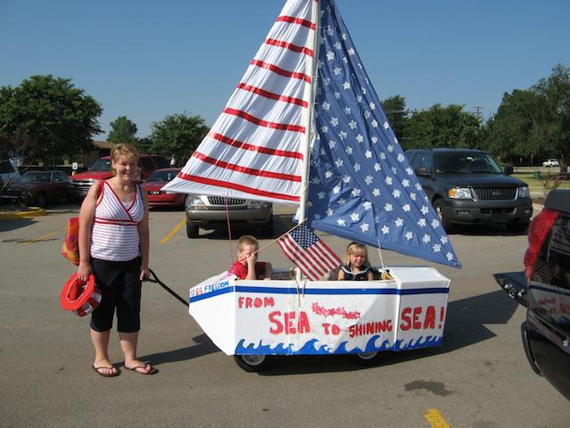 sailboat_robohara_kiddieparade_fourthofjuly_national_redtricycle