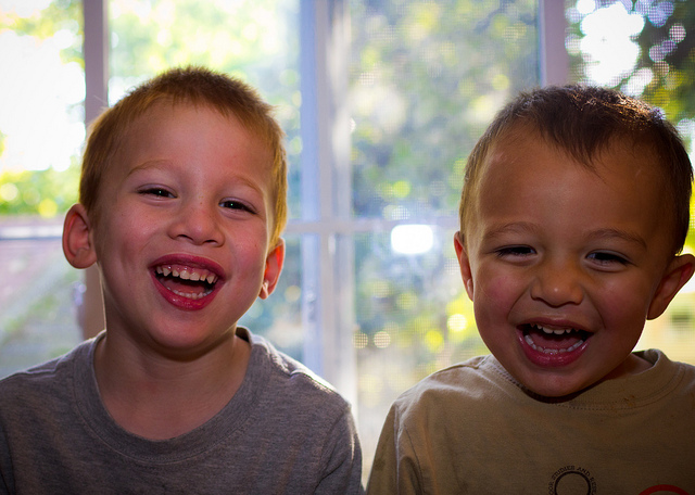 crazy-kids-laughing