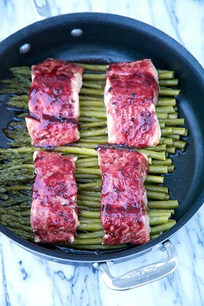 Blackberry Glazed Salmon and Asparagus