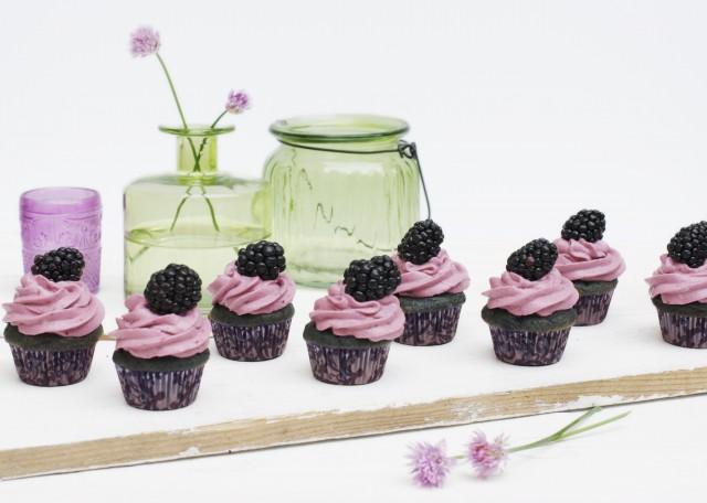 Blackberry Honey Cupcakes